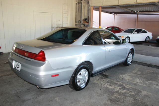 2001 Honda Accord LX 2dr