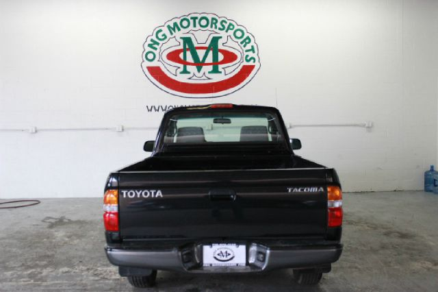 2004 Toyota Tacoma Base 2dr Regular Cab Rwd SB