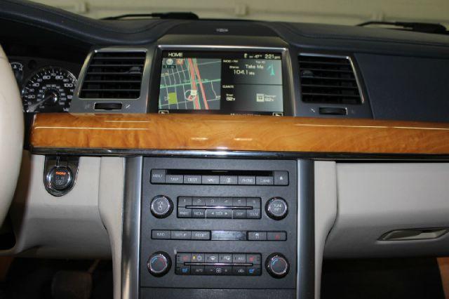 2009 Lincoln MKS Base 4dr