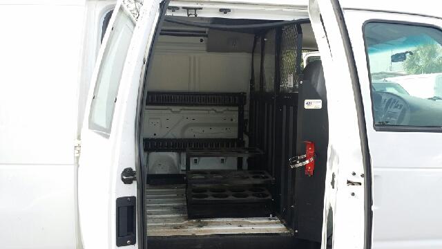 2004 Ford E-Series Cargo E-250 3dr