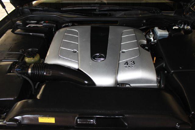 2001 Lexus LS 430 Base 4dr