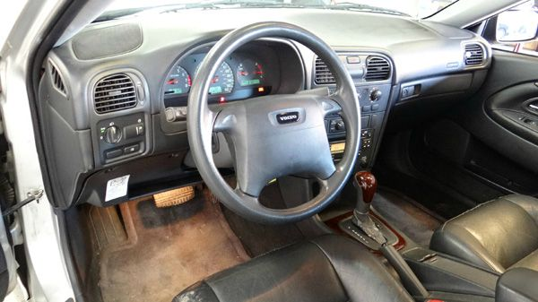 2001 Volvo S40 1.9T