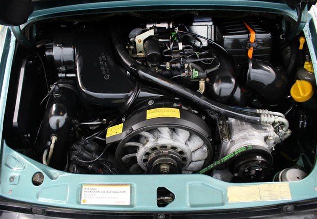 1991 Porsche 911 Carrera 2dr