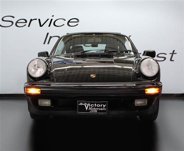 1989 Porsche 911 Carrera 2dr