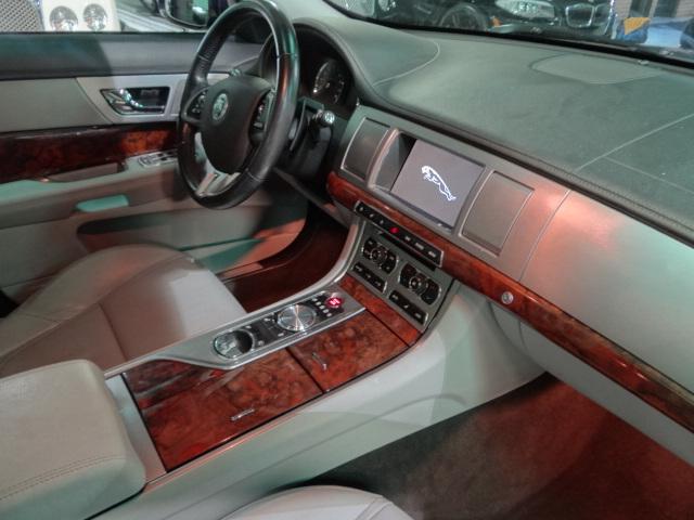 2012 Jaguar XF Premium