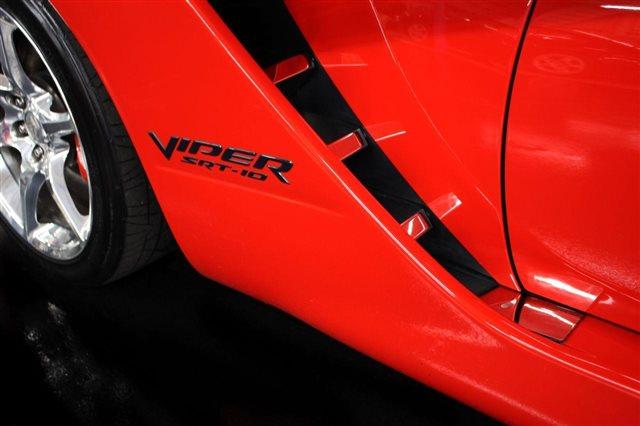 2005 Dodge Viper 2dr Convertible SRT10