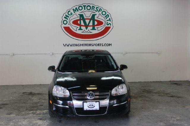 2005 Volkswagen Jetta 2.5 New 4dr