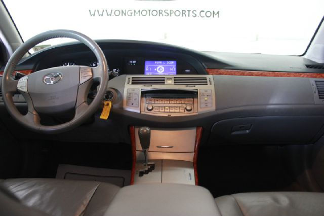 2006 Toyota Avalon XLS 4dr