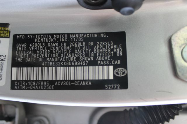 2006 Toyota Camry LE 4dr