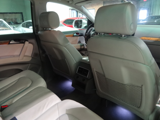 2010 Audi Q7  3.6 Prestige