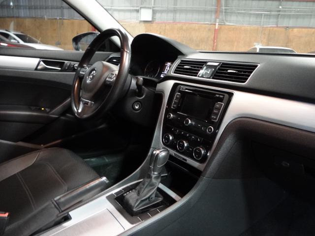 2012 Volkswagen Passat 2.5 SE