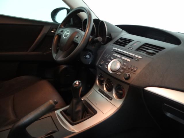 2010 Mazda MAZDA3 i Sedan